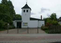Front der Evangelischen Kirche im Jahr 2013
