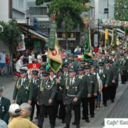 Bei besonderen Ereignissen wie hier das Bei besonderen Ereignissen wie hier das 200-jährige Bestehen der Bürgerschützen Lengerich 1810 erfolgt ein bunter Schützenfestzug durch die Lengericher Innenstadt. (Foto: privat)