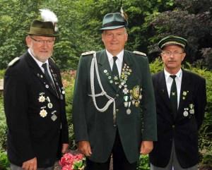Der Vorstand des Lengericher Schützenbundes (von links): Schriftführer Detlef Dowidat, Vorsitzender Friedrich Prigge, stellvertretender Vorsitzender Lothar Osterhaus. (Foto: privat)