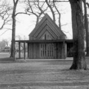 Alte Kapelle ohne Teich