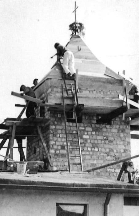 Bauarbeiten am Kirchturm 1970