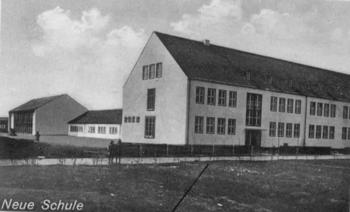 neue Schule: Neubau mit 16 Klassen, 1938