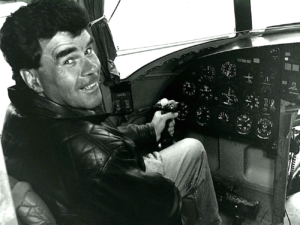 Pilot im Cockpit eines MI-24-Hubschraubers (Foto: Hajo Eckert)